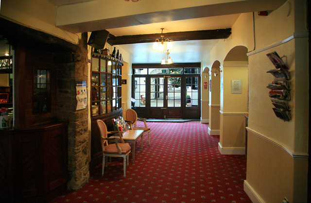 The Crown Hotel, Brackley: entrance hall