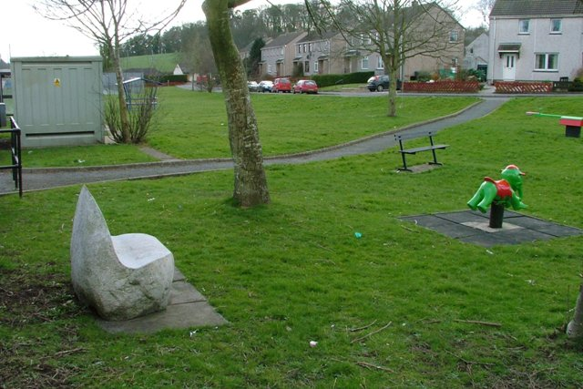 Playpark Between Forteviot Gardens and High Street