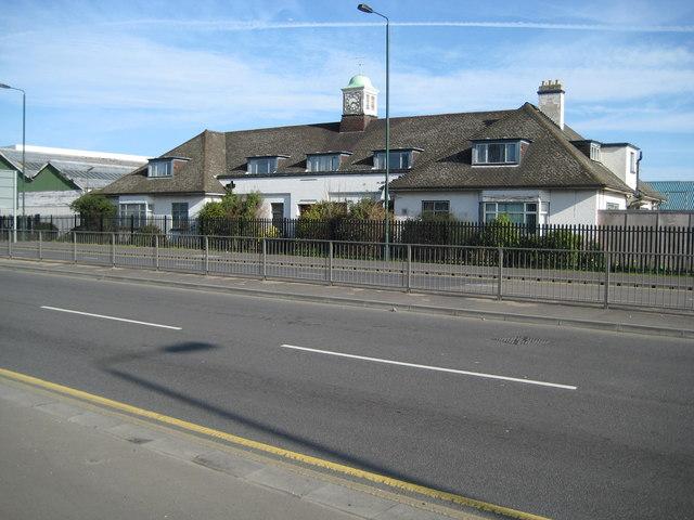 Barnes Cray: Thames Road