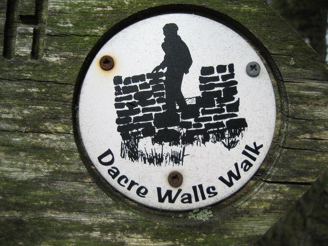 Dacre Walls Walk Logo