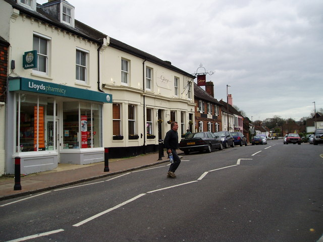 The George Hotel, High Street (A281)
