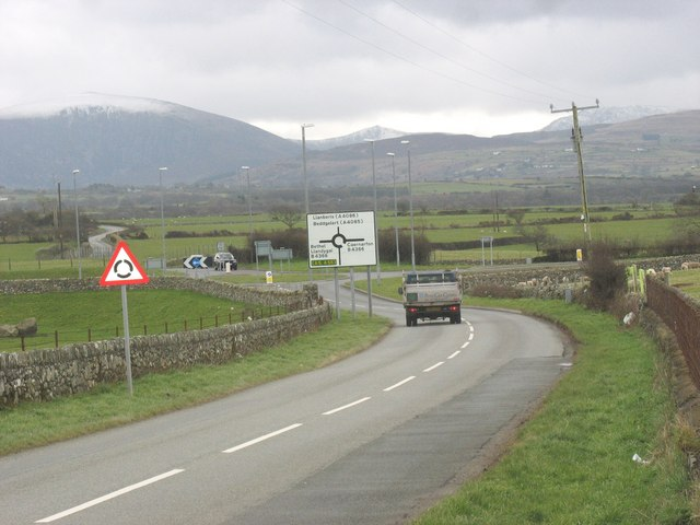 Approaching the junction with the B4366