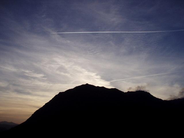 Jet trails over Snowdon
