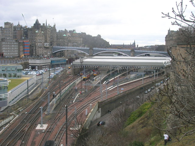 Edinburgh Waverley Station from Calton Road