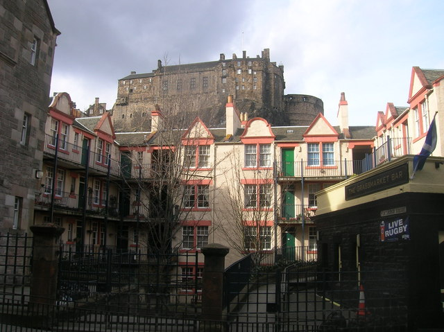 Portsburgh Square and Edinburgh Castle