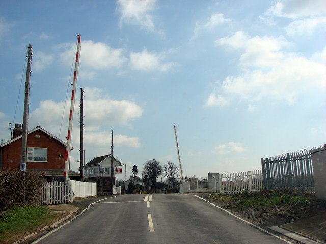 Saltmarshe Level Crossing