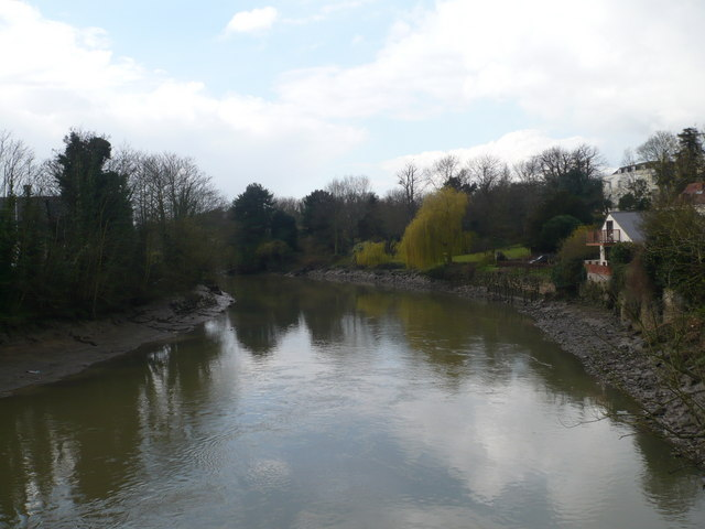 River Medway looking westwards from Aylesford old bridge