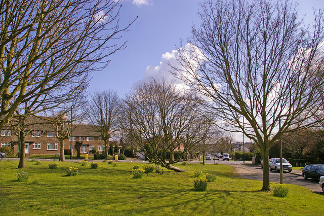 Green at the junction of Fairway with Avenue Road, London N14