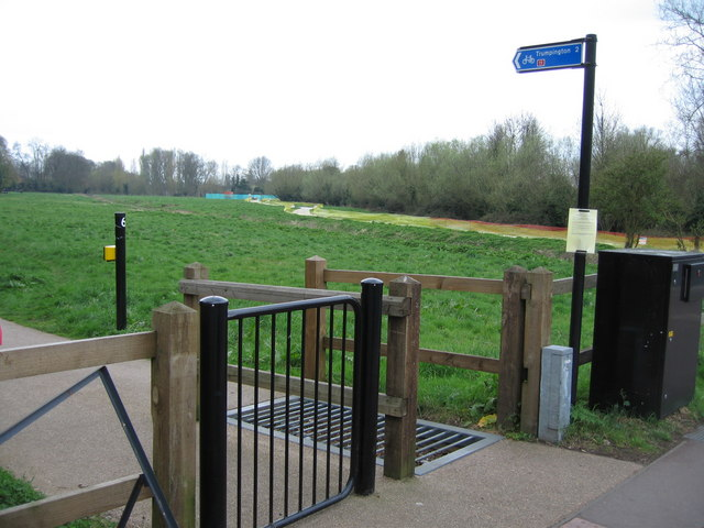 Cycle path across Sheeps Green