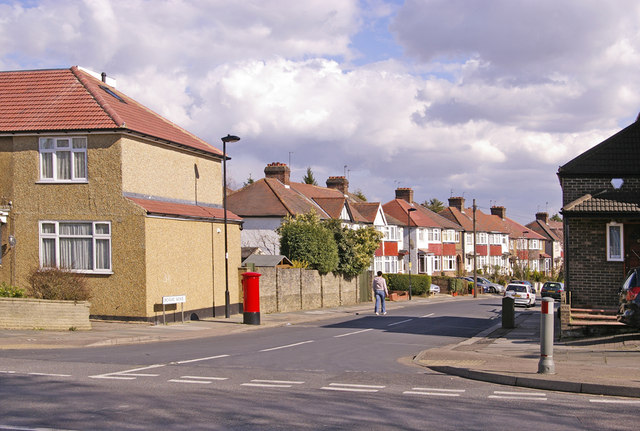 Junction of Orchard Avenue with Avenue Road, London N14