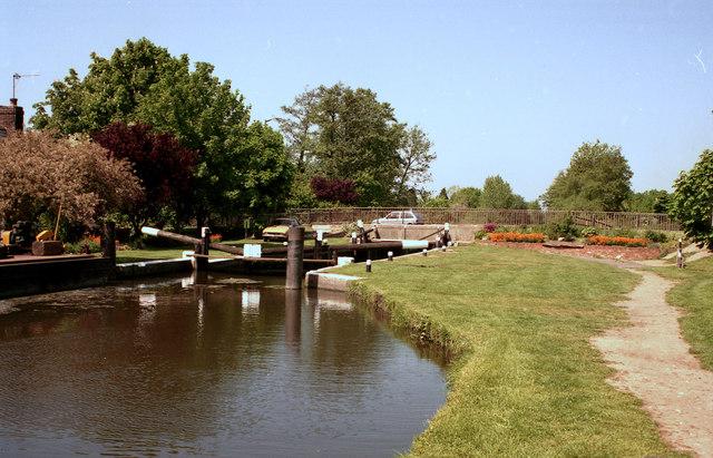 New Haw Lock, Wey Navigation