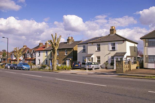 Cottages, Avenue Road, London N14