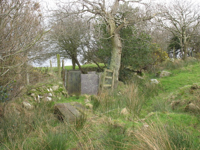 Footbridge and kissing gate on the quarrymen's path