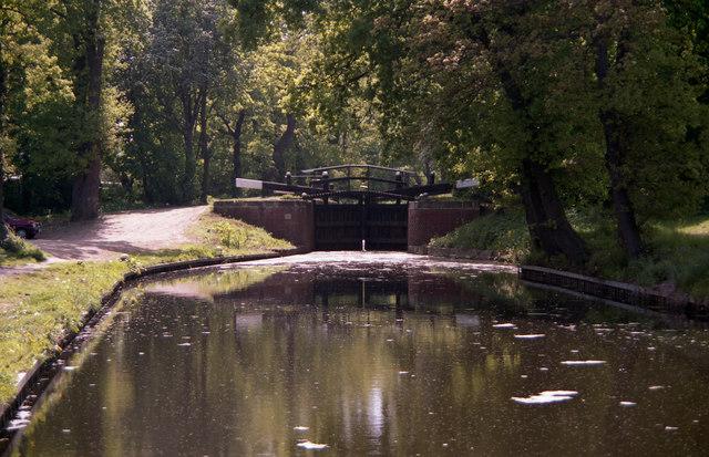 Woodham Lock No 2, Basingstoke Canal