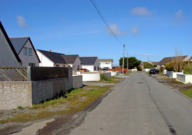 Houses in Maesyderi