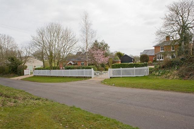 New Lodge and adjacent property, Sherfield English Lane