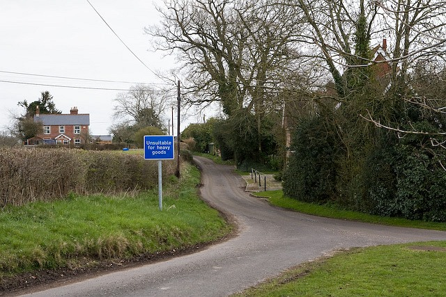 Looking along Pound Lane from its junction with Pound Hill and Sherfield English Lane