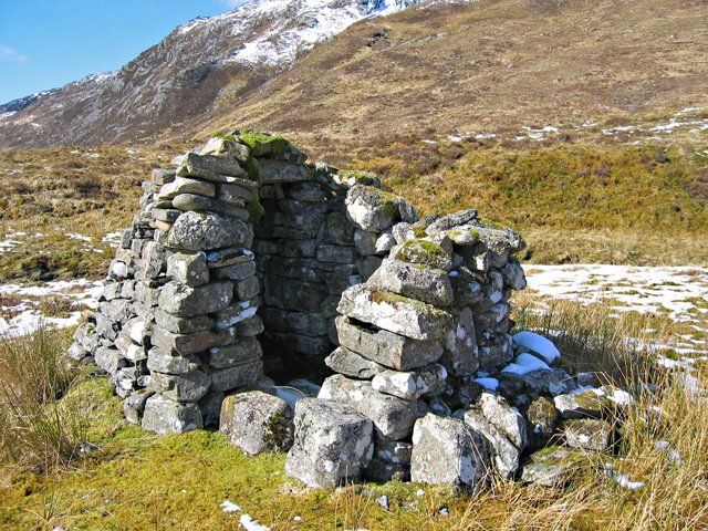 Small building in Coire Dhuinnid