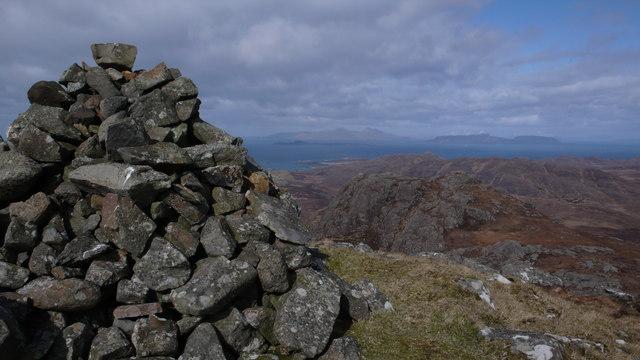 Cairn, Beinn na Seilg