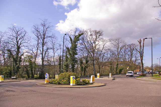 Junction of Chase Road and Avenue Road, London, N14