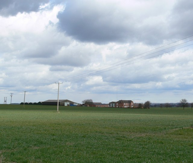Across the fields to Cottage Farm