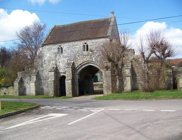 Gatehouse to Place Farm