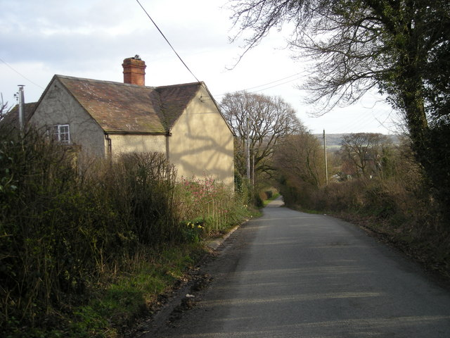 Lane to Longville-in-the-Dale