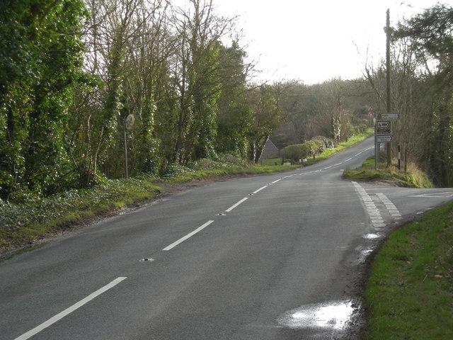 Dangerous junction on the B 4371