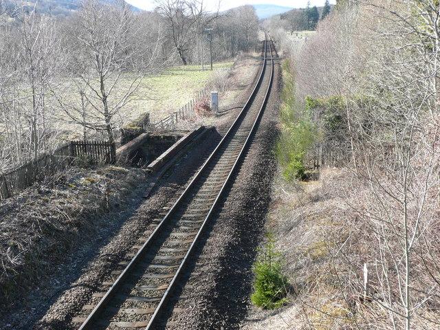 Perth - Inverness railway crosses Allt Girnaig