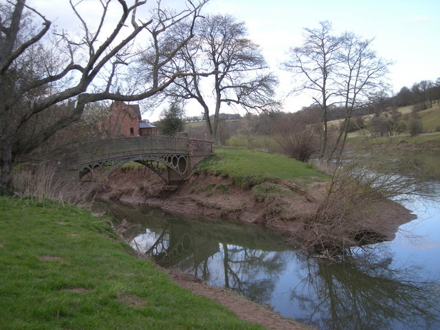 Confluence of Borle Brook & River Severn