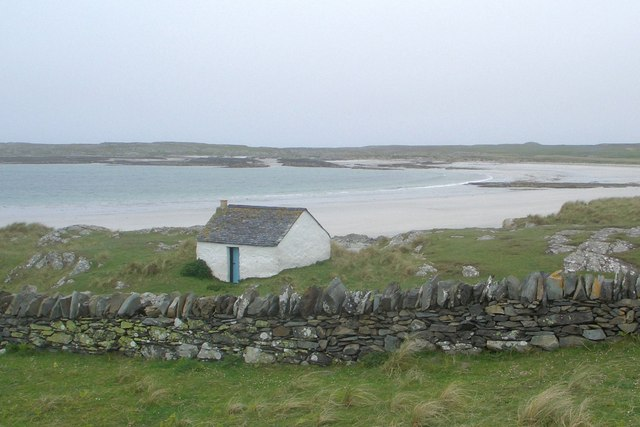 Building above beach in west of Oronsay