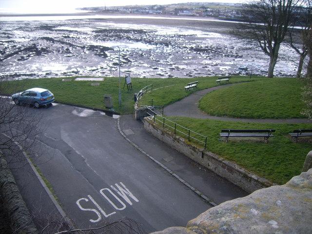 Berwick-upon-Tweed walls (view of road below)