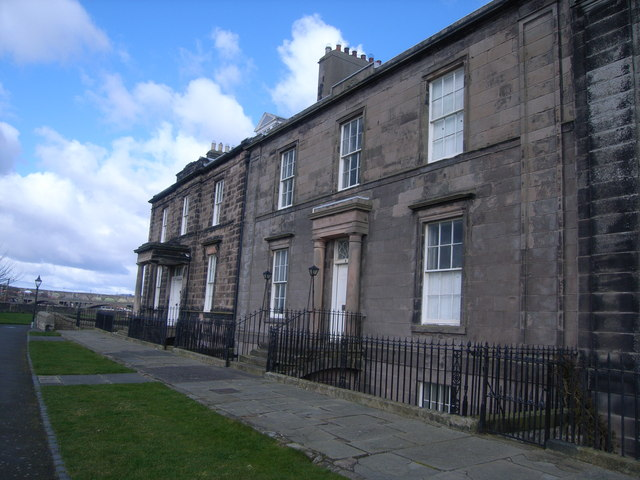 Berwick-upon-Tweed walls (row of houses)