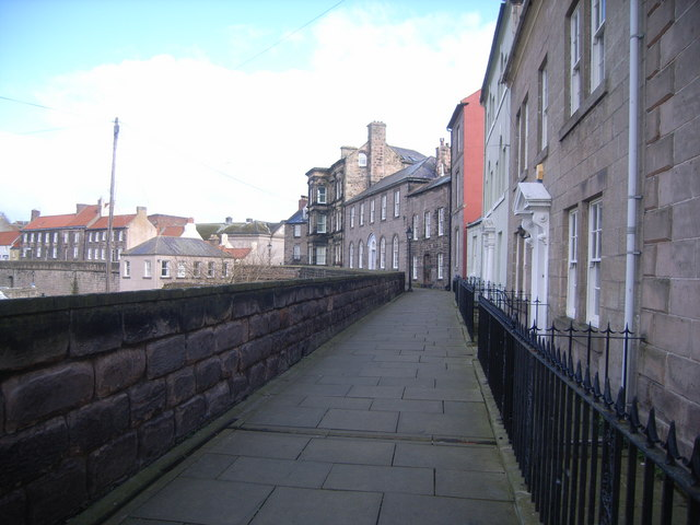 Berwick-upon-Tweed walls (looking towards custom house)