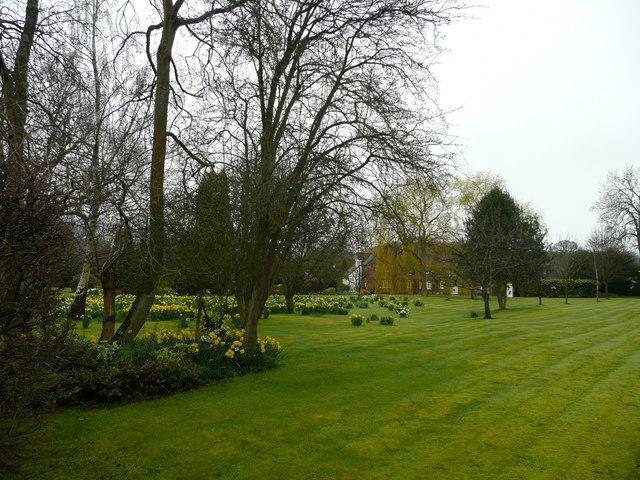 Large garden near Ballinger Farm