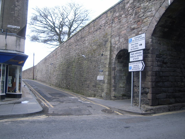 Junction of Castlegate & city wall