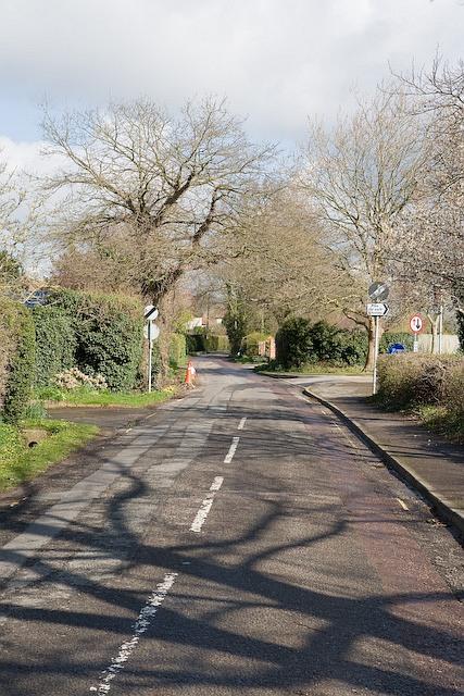 Kidmore Lane seen from B2150