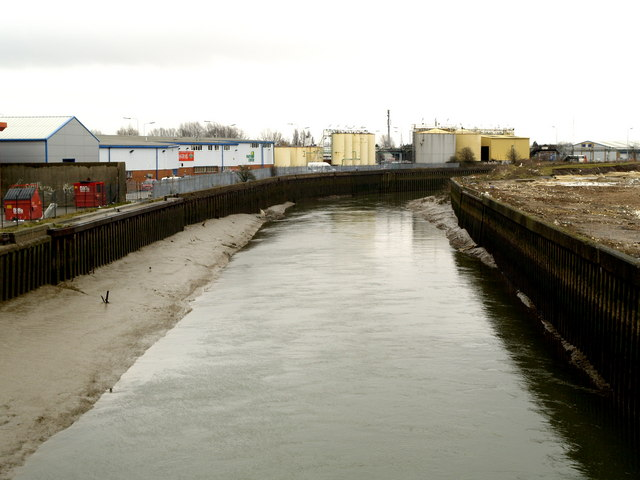 The River Hull southwards from Stoneferry Bridge