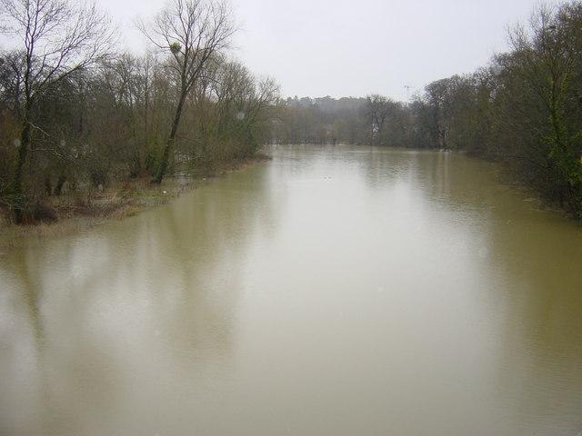 Winter floods from Magdalen Bridge