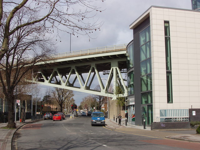 M4 bridge over Boston Manor Road