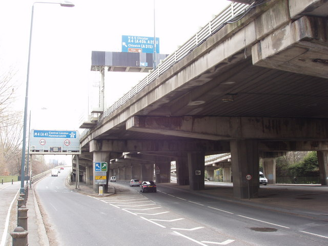 Slip road up to elevated M4