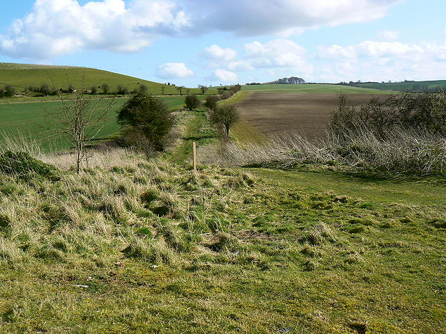 Footpath to the south, near Liddington Hill