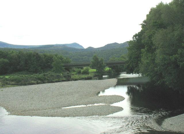 A point bar on the Mawddach below Llanelltyd's Old Bridge