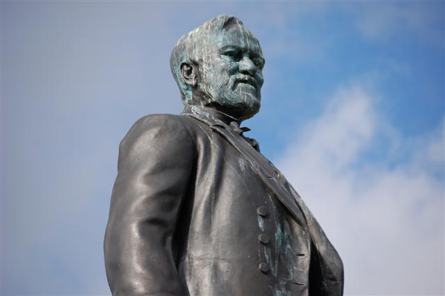Statue of Andrew Carnegie