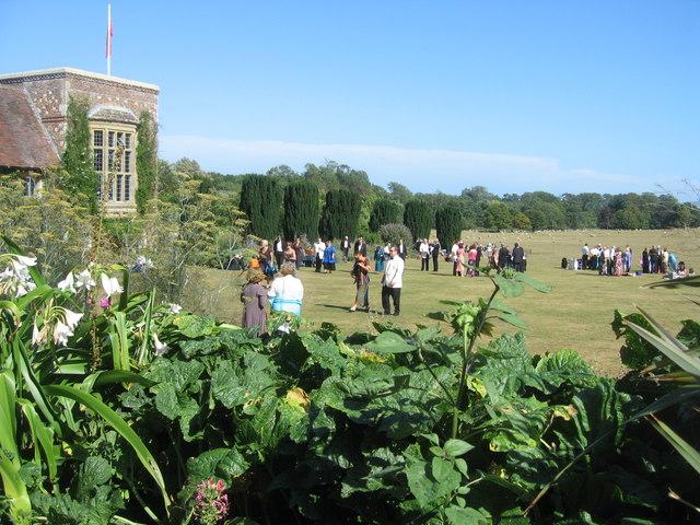 House, garden & opera buffs