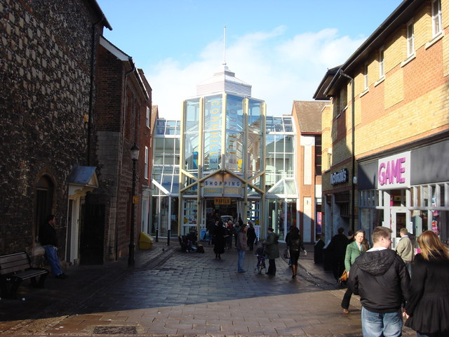 Cornhill Walk Shopping