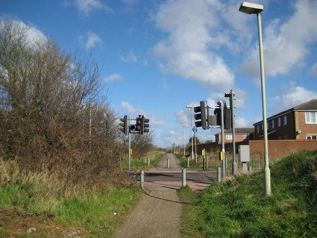 Watford: A4145 Tolpits Lane pedestrian crossing