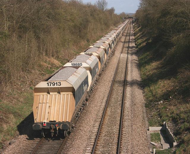 2008 : Stone train, eastward bound near Edington