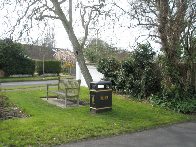 Bench at fork of Sinah Lane and Park Road