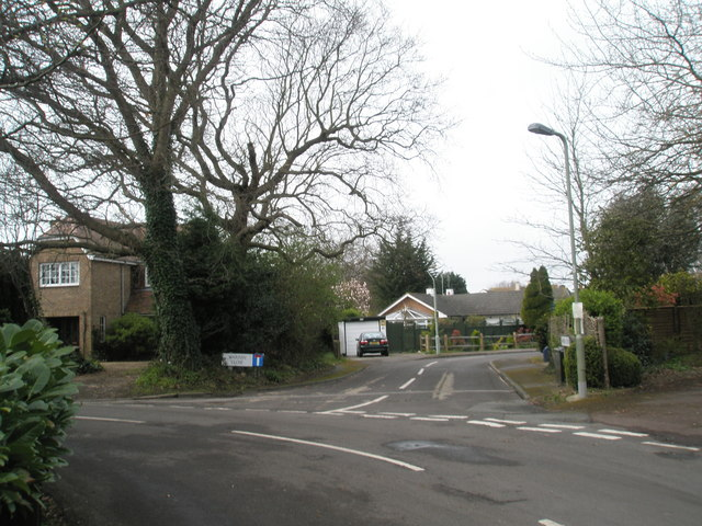Junction of Warren Close and Sinah Lane